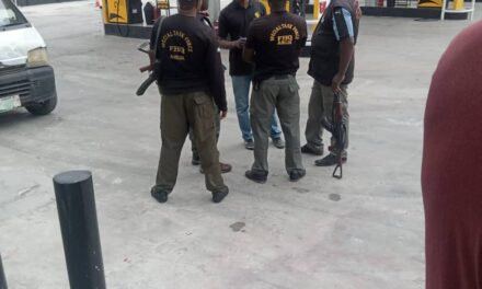 SARS Officers Allegedly Storm A Petrol Station And Demanded To Be Placed On The Payroll