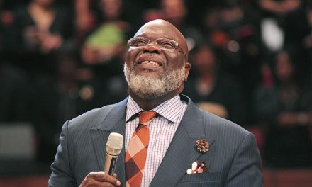 """""""Nigerian lives matter"""" – Bishop T.D Jakes lends voice to #EndSARS"""